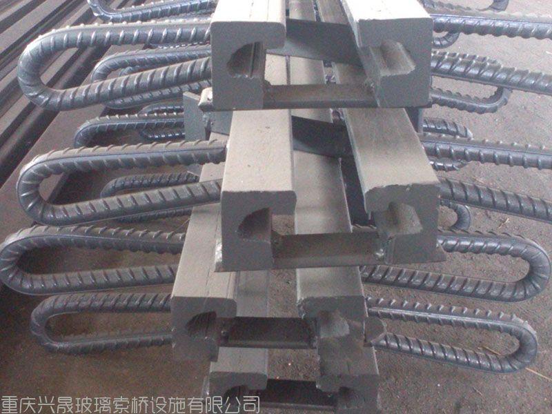 承接桥梁配件、锚具、索鞍,调节器、限位装置、伸缩缝、非标件、吊杆及各种预埋件